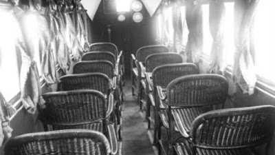 Kursi penumpang pesawat zaman dulu